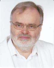 A csaló és okirathamisító Szabó András