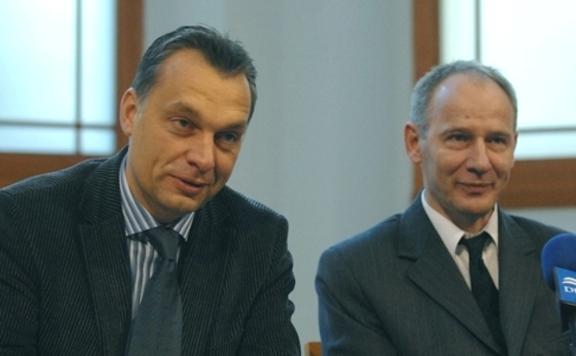 Orbán és Szajuz régi barátok